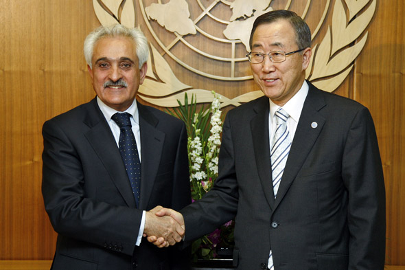 H.E. Rangin Dadfar Spanta, Minister for Foreign Affairs of Afghanistan meets with Secretary-General Ban Ki-moon (right)