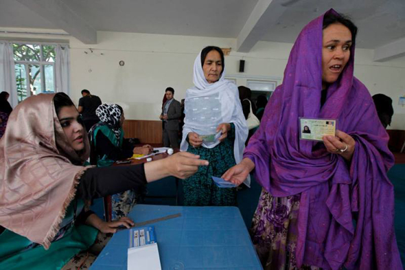 Women in Kabul voting for a president in Afghanistan's second and final round of elections. Photo: UNAMA