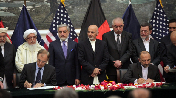 Afghanistan signs security agreements with NATO