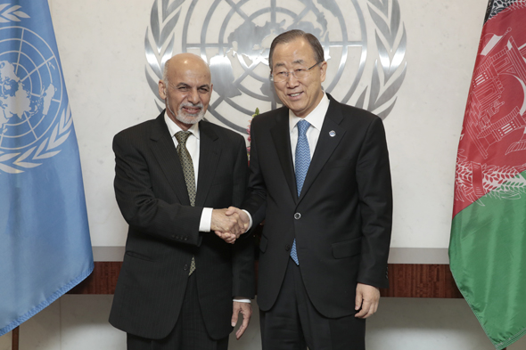 Secretary-General Ban Ki-moon (right) meets with Mohammad Ashraf Ghani, President of Afghanistan.
